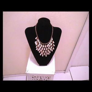 beautiful vintage necklace very pretty piece